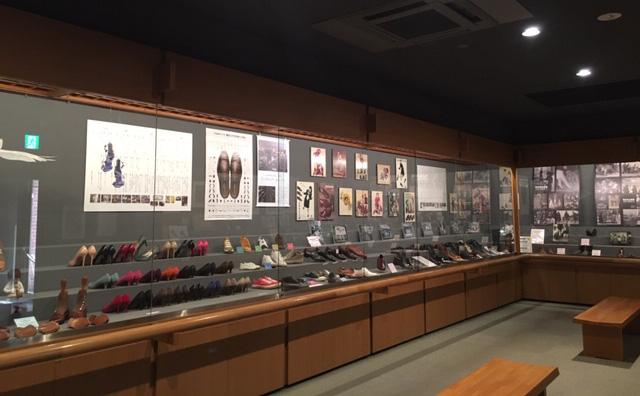 松永はきもの資料館で「西洋靴150年展」